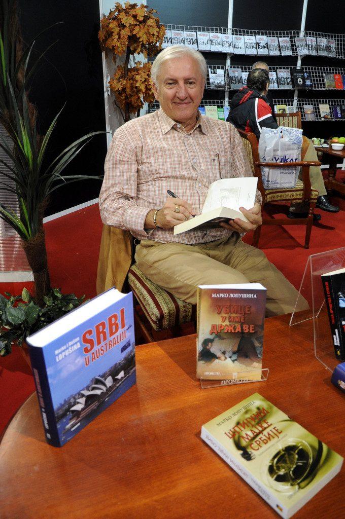 Marko Lopusina, potpisivanje knjiga sajam knjiga, beograd 30.10.2015 foto milena andjela