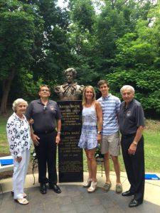 Kosta Papic sa porodicom Klivlend